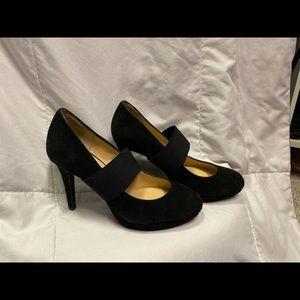 NIB Gianni Bini Black Suede feel heels 6m